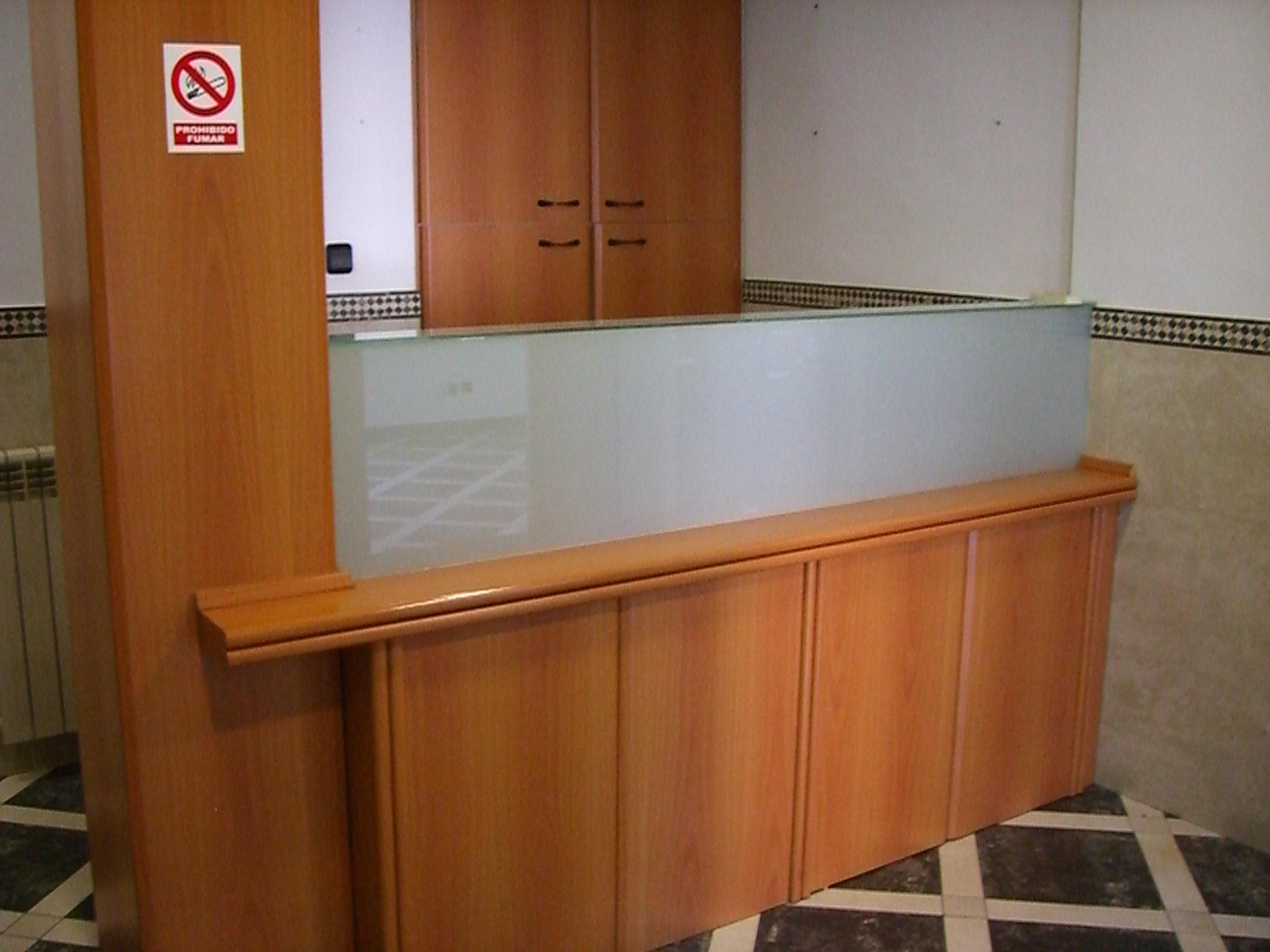 Oficina en el centro de santander ya instalada for Buscador de oficinas santander